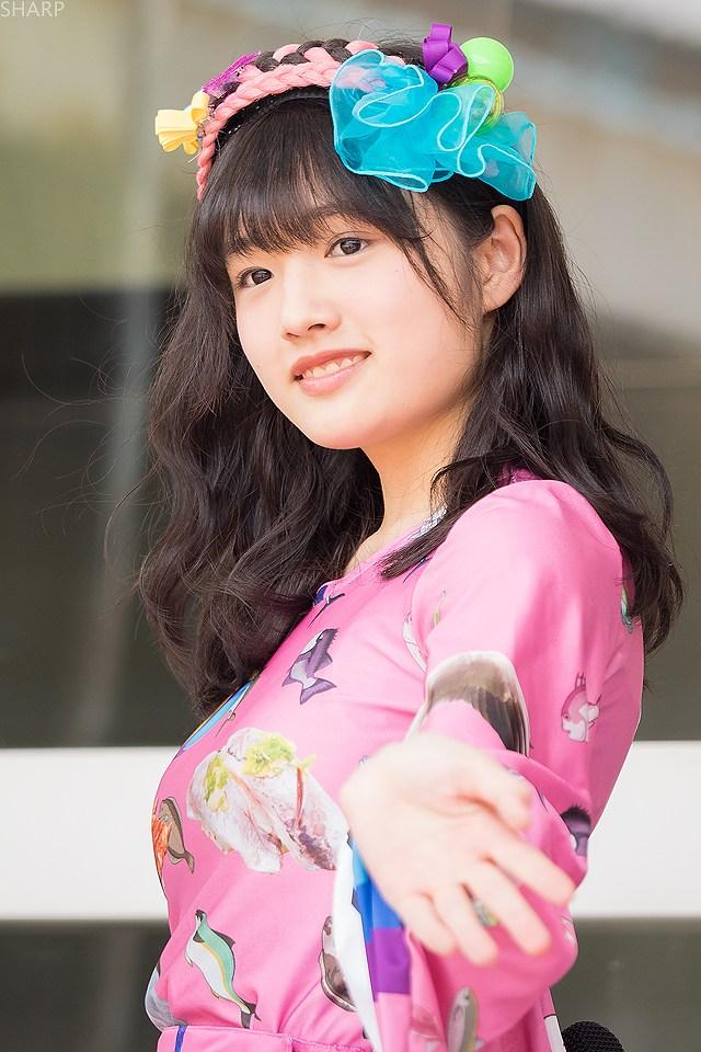 安藤咲桜の着衣巨乳