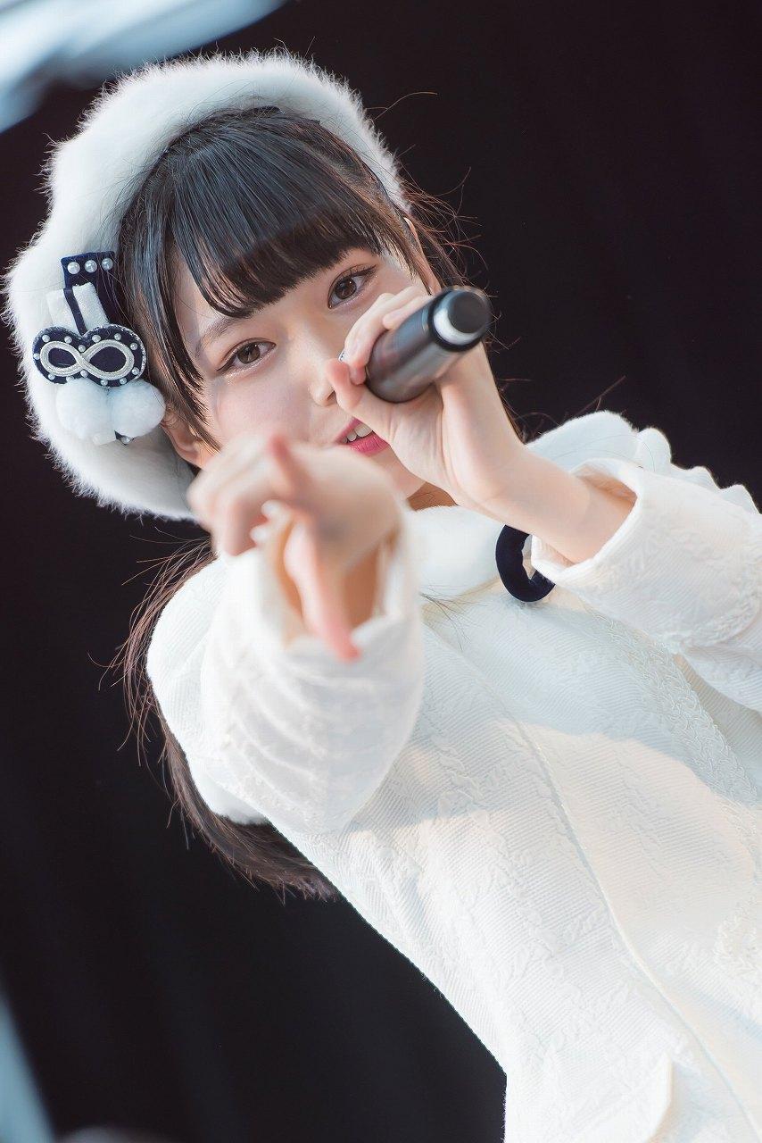 AKB48の長久玲奈