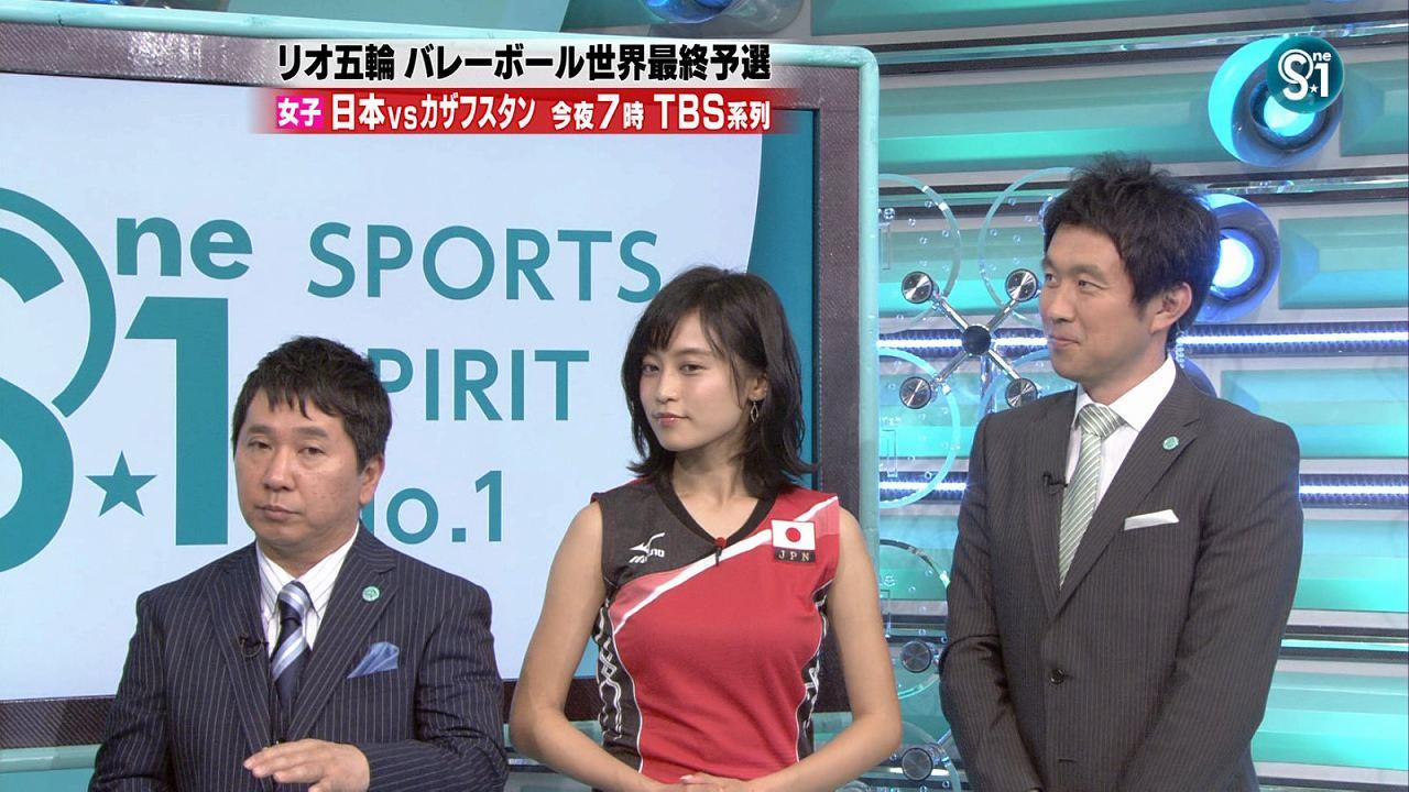 TBS「S☆1(エスワン)」に女子バレーユニフォームを着て出演した小島瑠璃子の着衣巨乳
