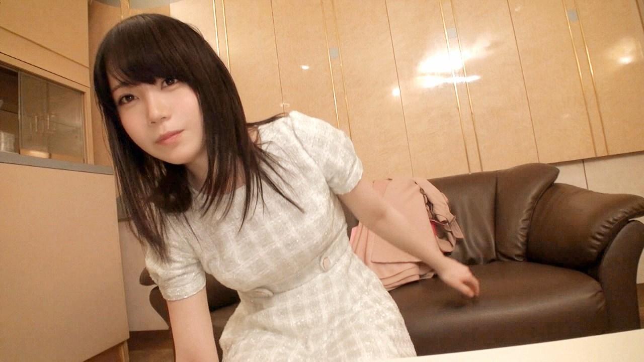 素人ハメ撮りAVに出てる黒髪の清楚系女子、19歳のつぐみ