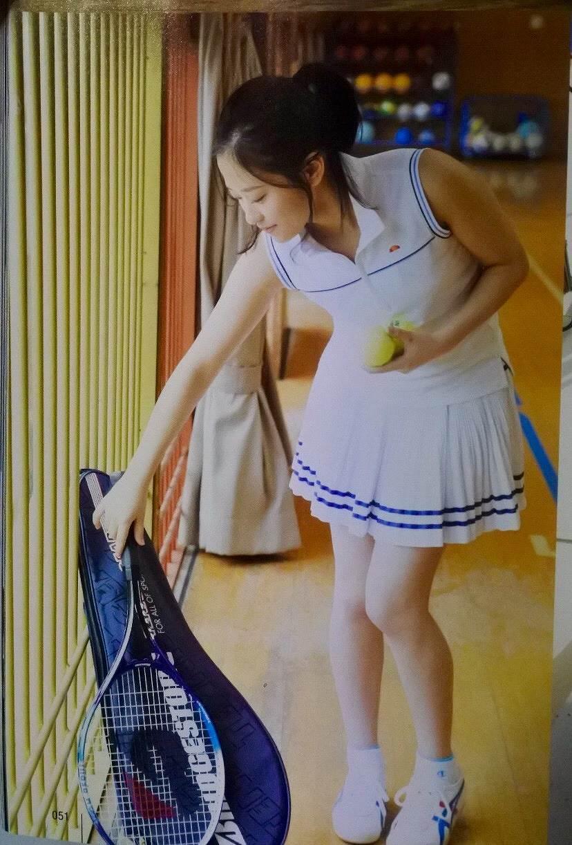 モーニング娘。・小田さくらのテニスウェアグラビア