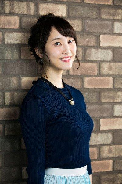 爆乳化した松井玲奈の着衣巨乳