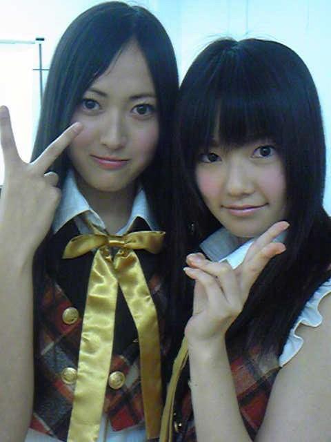 AKB48時代の高松恵理(橘梨紗)と島崎遥香のツーショット