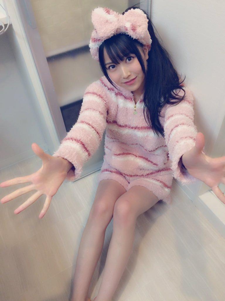 モコモコ部屋着を着た白間美瑠