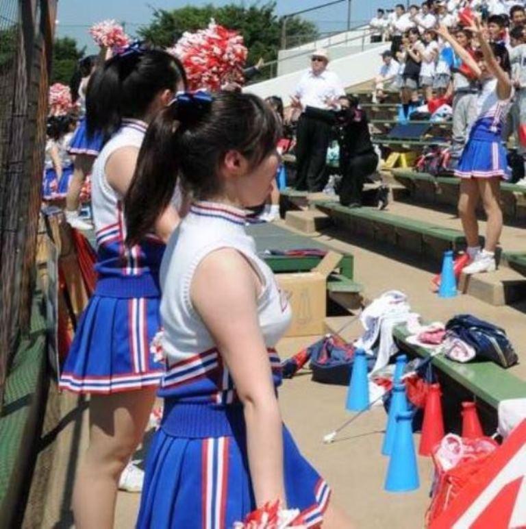 慶應のJKチアガールの着衣巨乳