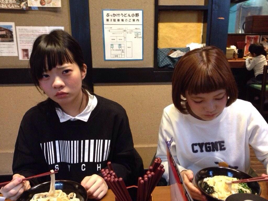 SHISHAMOの宮崎朝子と松岡彩
