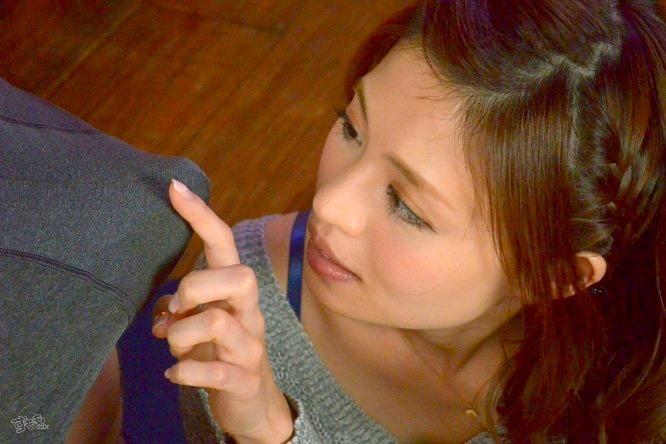 元地方局女子アナ・皆道あゆむのAVデビュー作「元地方局アナウンサー!清楚な照れエロお姉さん AVデビュー」キャプチャ画像