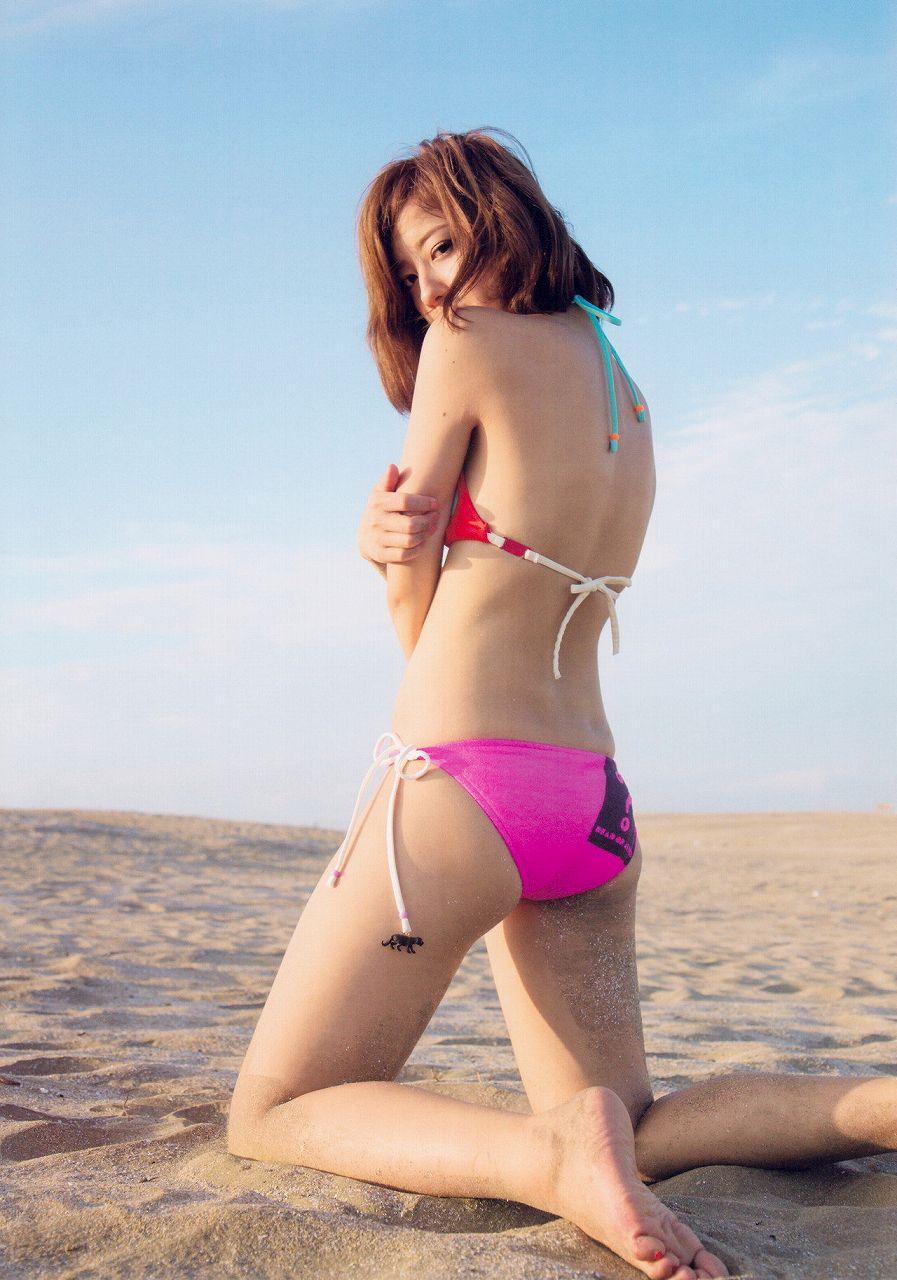 夏焼雅の水着グラビア