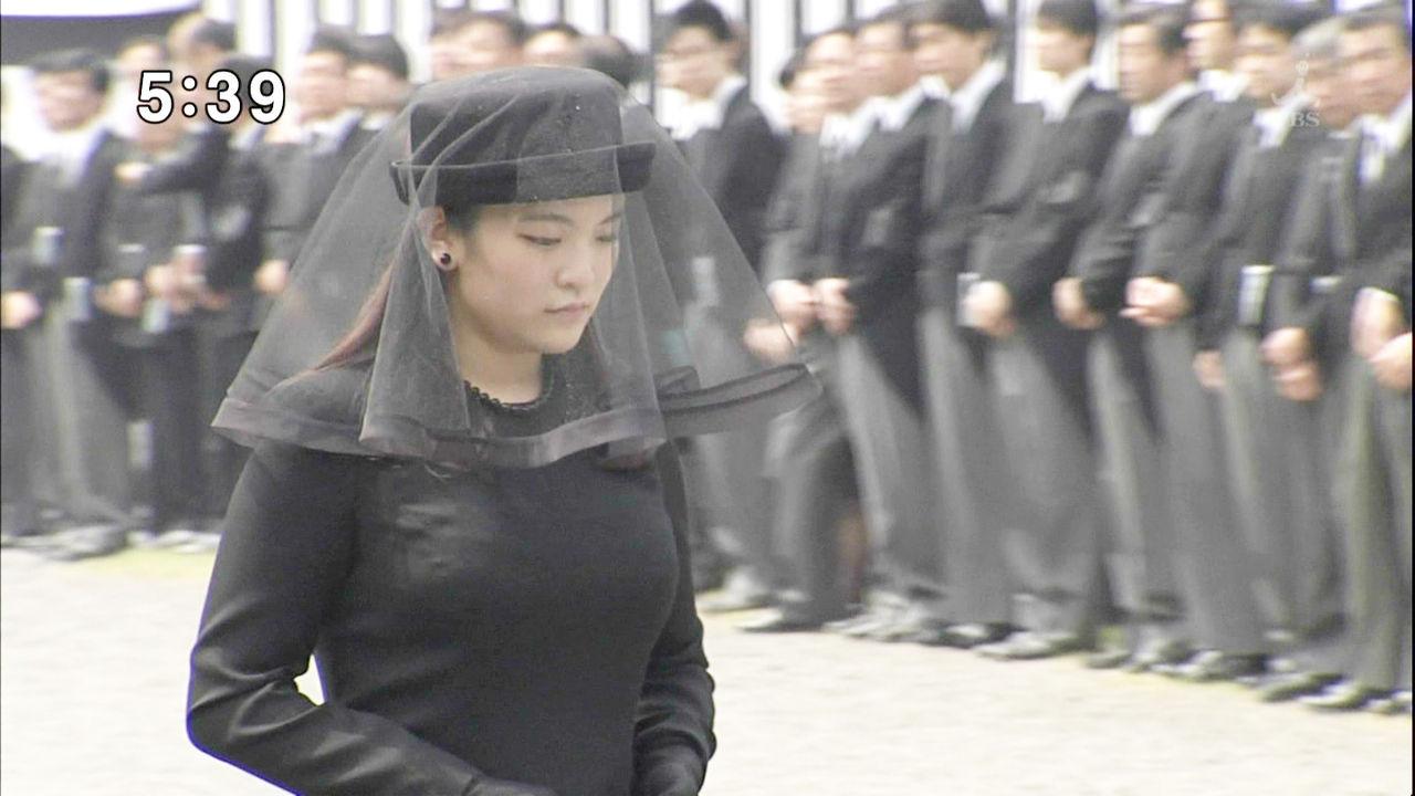 眞子さまの着衣おっぱい