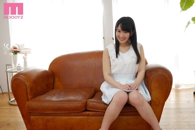 千早希のAV「新星美少女発掘 ニコカワ黒髪お嬢様AVデビュー! ! 千早希 ムーディーズ」画像