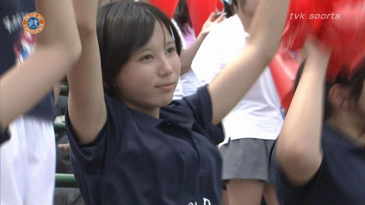 高校野球を応援するJKチアガール