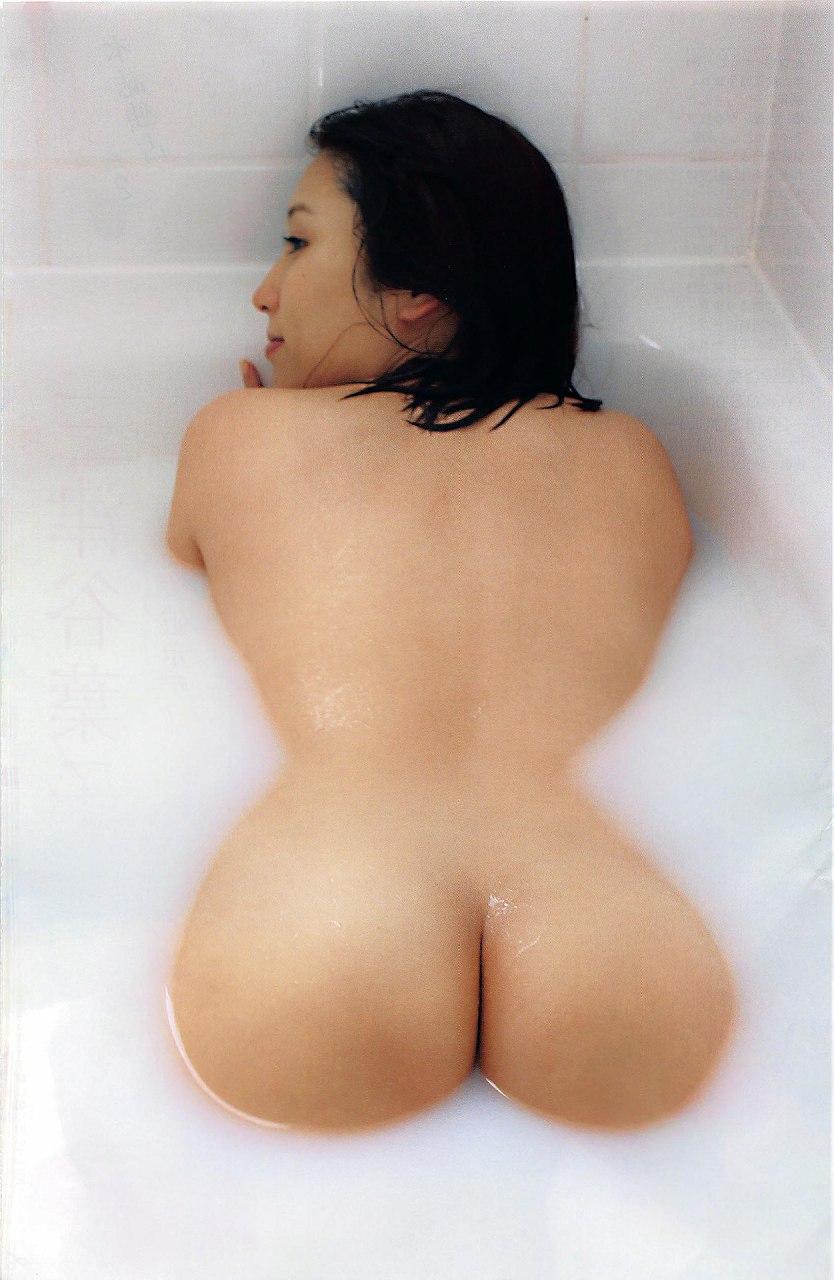 全裸のデカ尻女