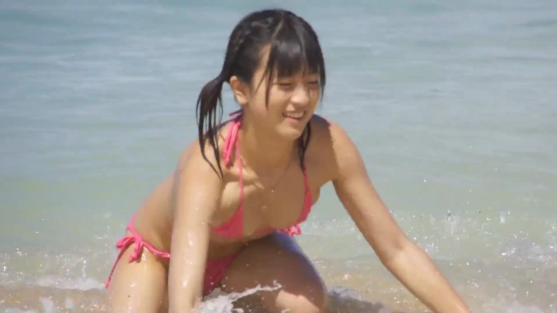 田中みすずのイメージビデオ「美少女は純真JC~全開ビキニで…16歳~」キャプチャ画像