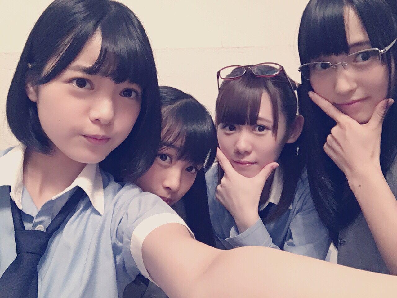 欅坂46・平手友梨奈、原田葵、小池美波、菅井友香の自撮り画像