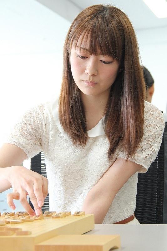 美人女流棋士の室田伊緒