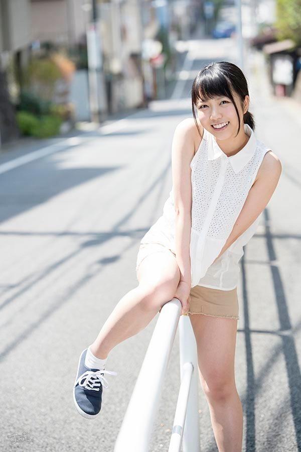 ワンピースを着た戸田真琴