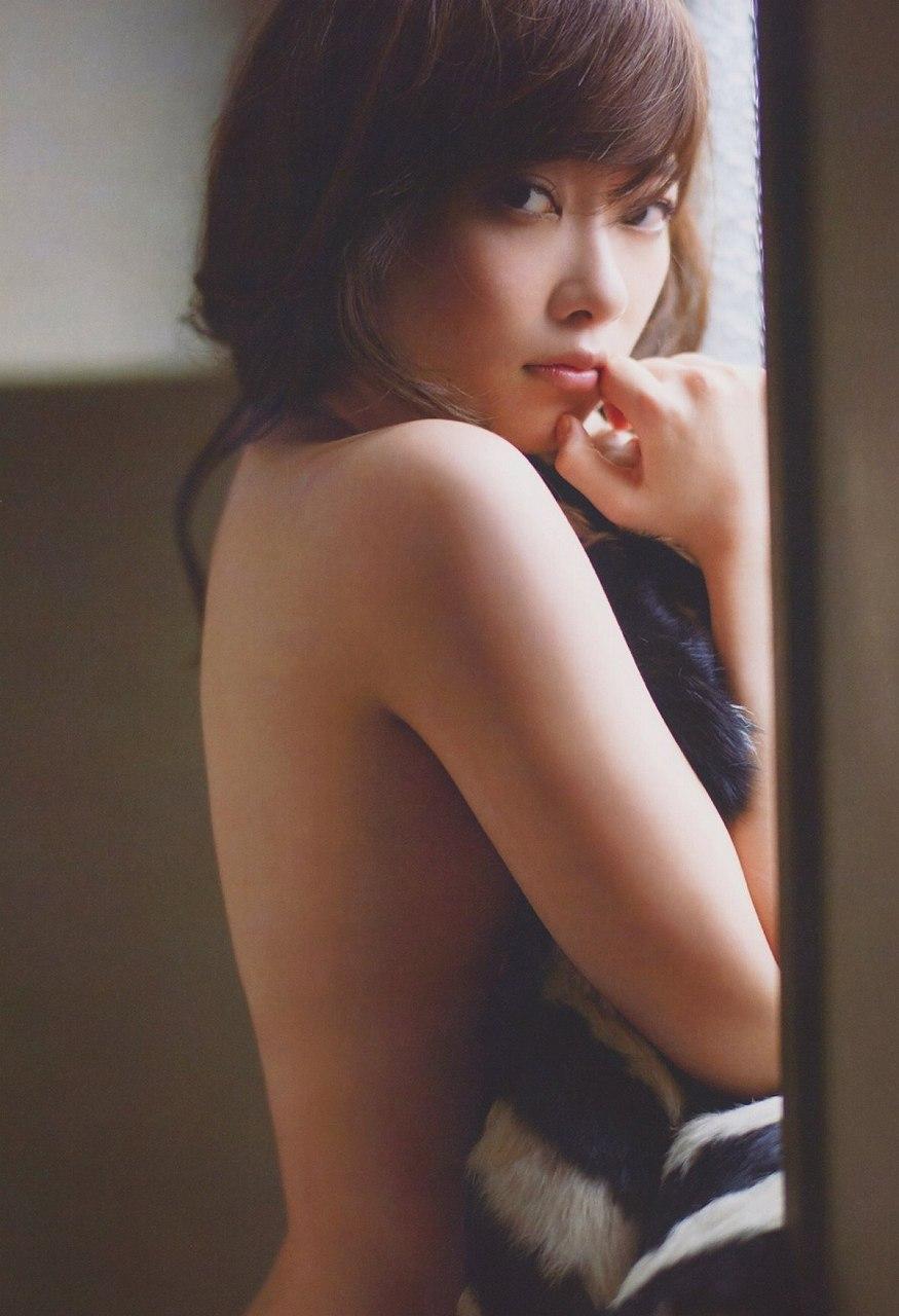 指原莉乃の写真集「スキャンダル中毒」画像