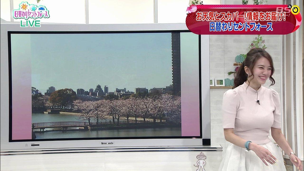 「日替わりセントフォース」にニット衣装で出演した伊東紗冶子の着衣巨乳