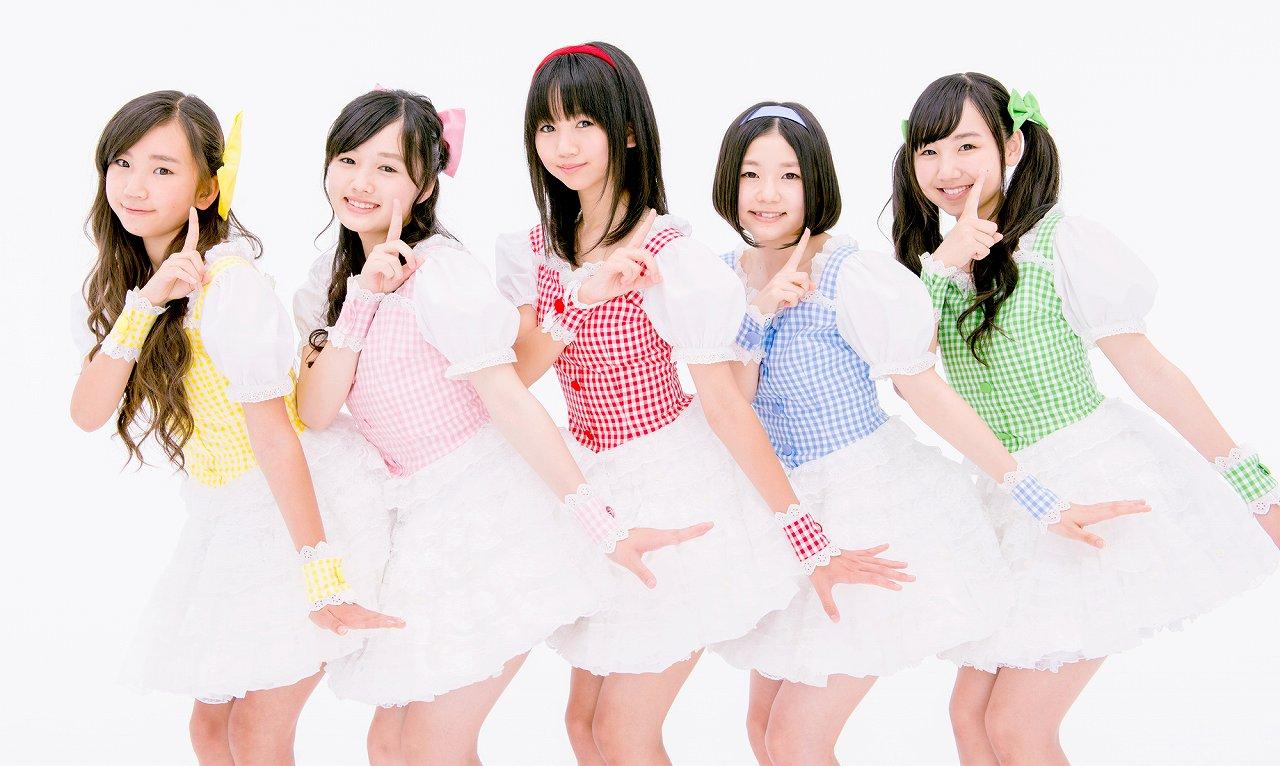 つりビットのメンバー画像(左から竹内夏紀、安藤咲桜、聞間彩、長谷川瑞、小西杏優)