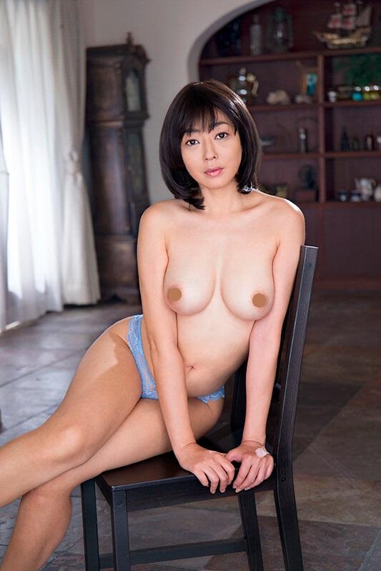 小松千春のAV「高級娼婦 小松千春」画像