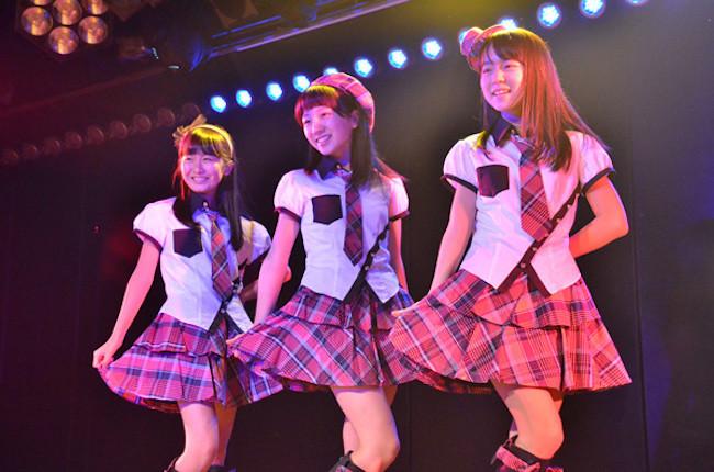 劇場前座デビューしたチームBドラフト生の高橋希良、西川怜、山邊歩夢