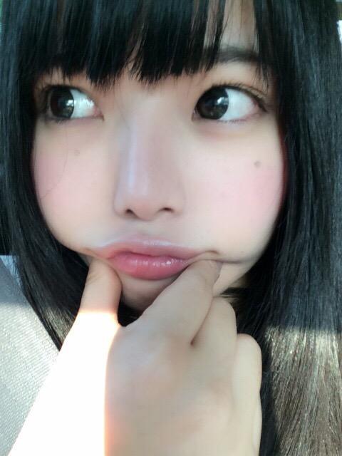 鶴見知香の自撮り画像