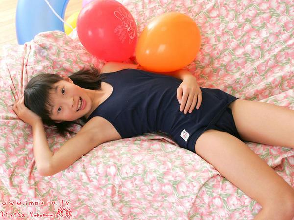きゃりーぱみゅぱみゅのジュニアアイドル時代、竹村桐子のスクール水着グラビア