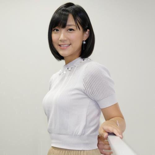 竹内由恵アナのシコってポーズ