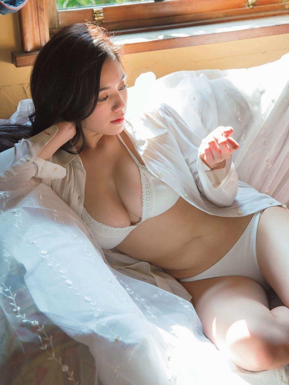 「FRIDAY(フライデー) 2016年 8/5 号」筧美和子の水着グラビア