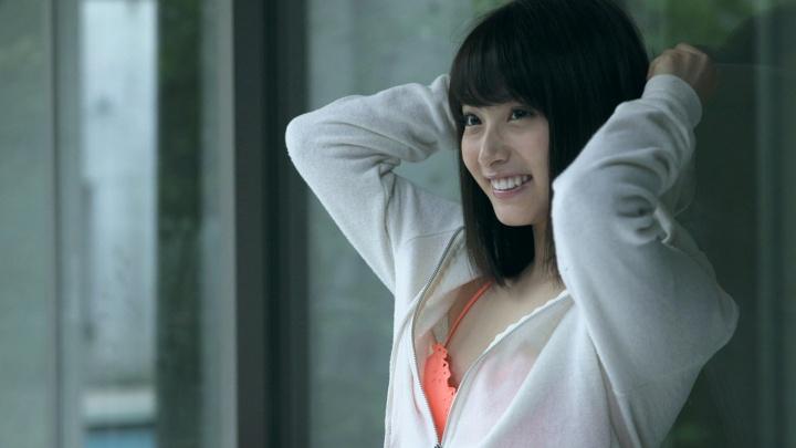 初の水着撮影でビキニの水着を着た永井理子