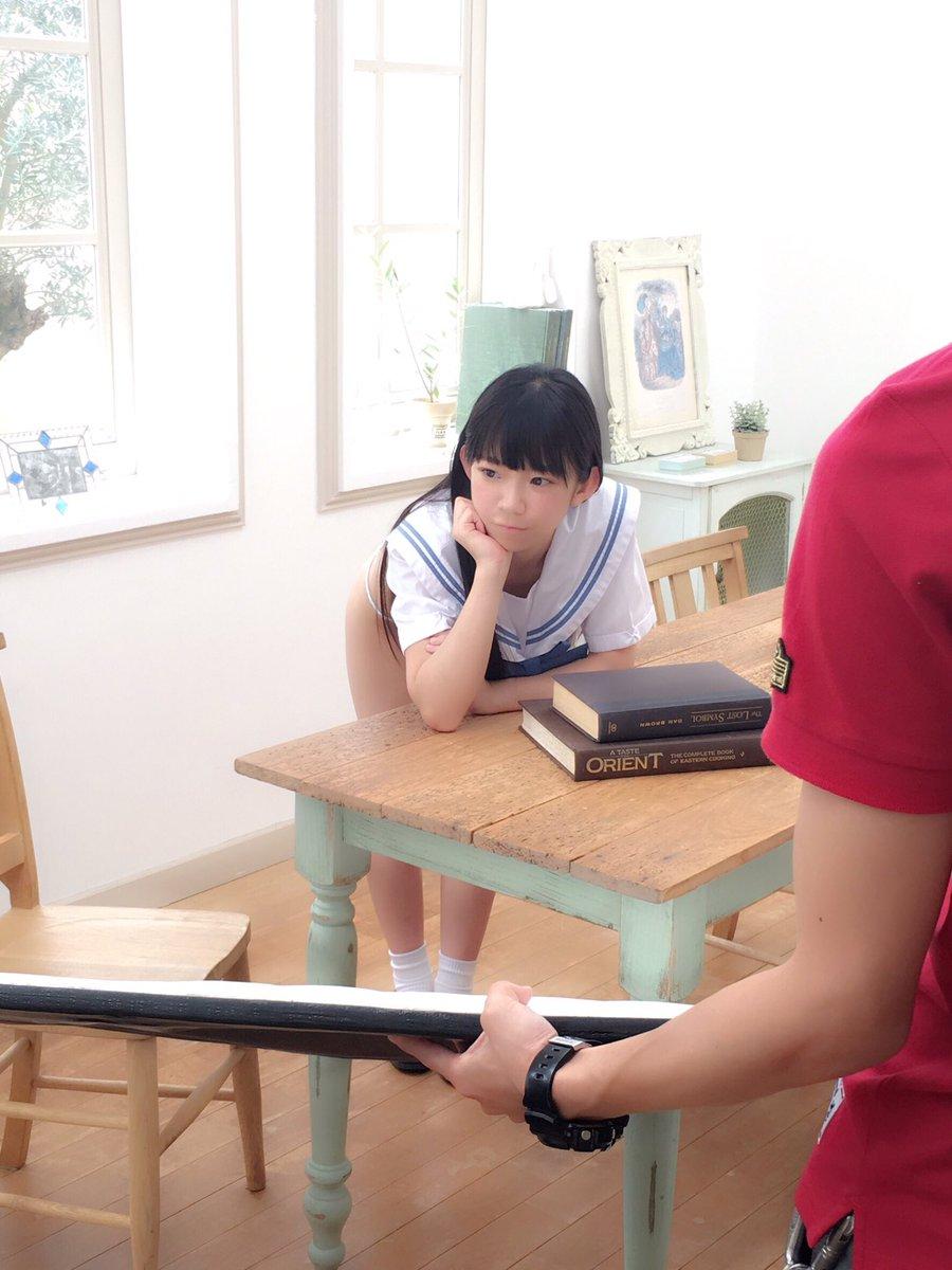 「ヤングガンガン 2016年 10/7 号」長澤茉里奈のセーラー服グラビアオフショット