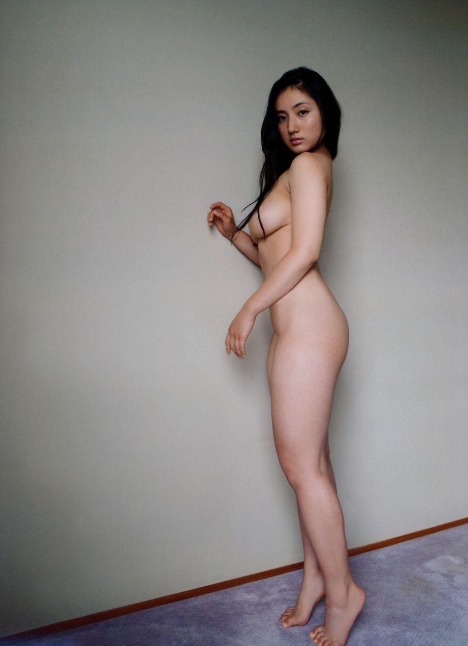 紗綾のヌードグラビア