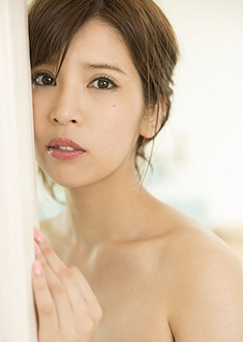 ANRI(坂口杏里)の初ヘアヌード写真集「ANRI」パッケージ写真