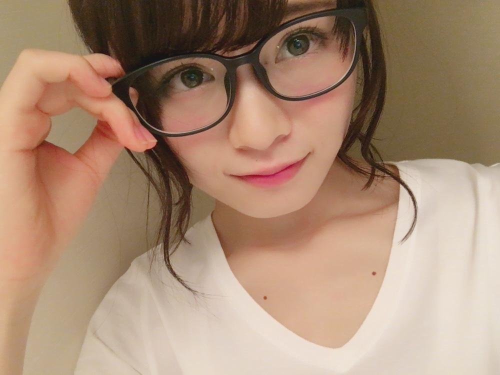 山﨑怜奈の自撮り画像