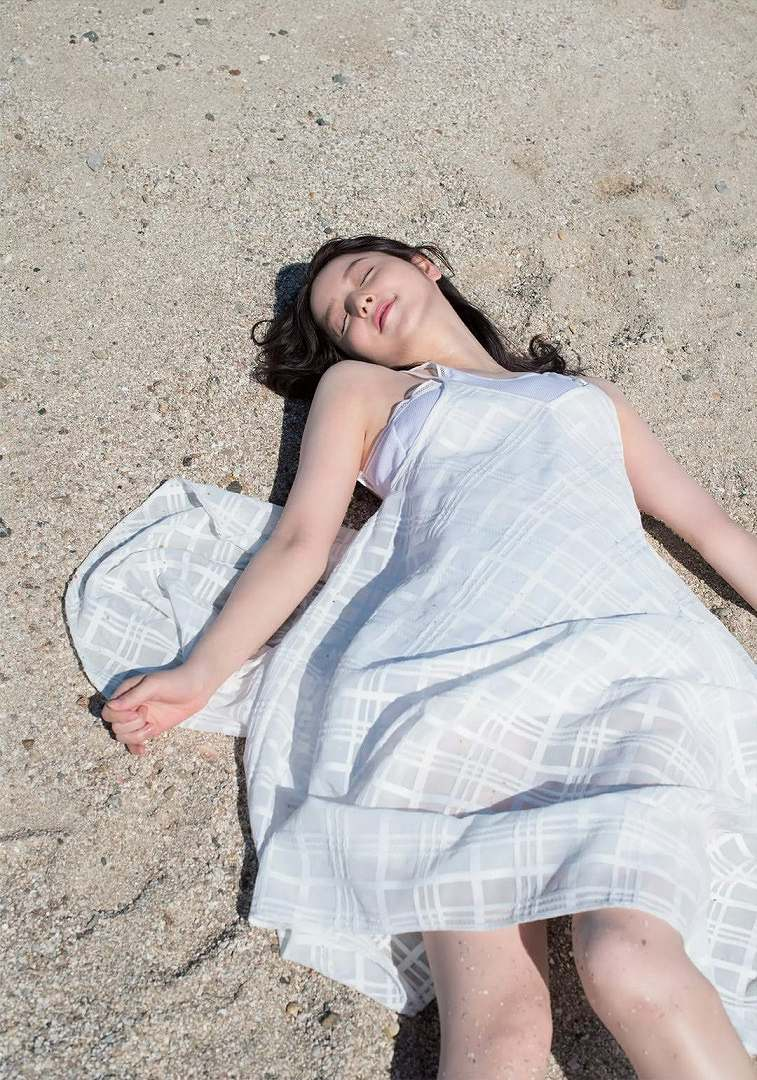 「週刊FLASH(フラッシュ) 2016年10月11日号(1394号)」佐々木希の着衣グラビア