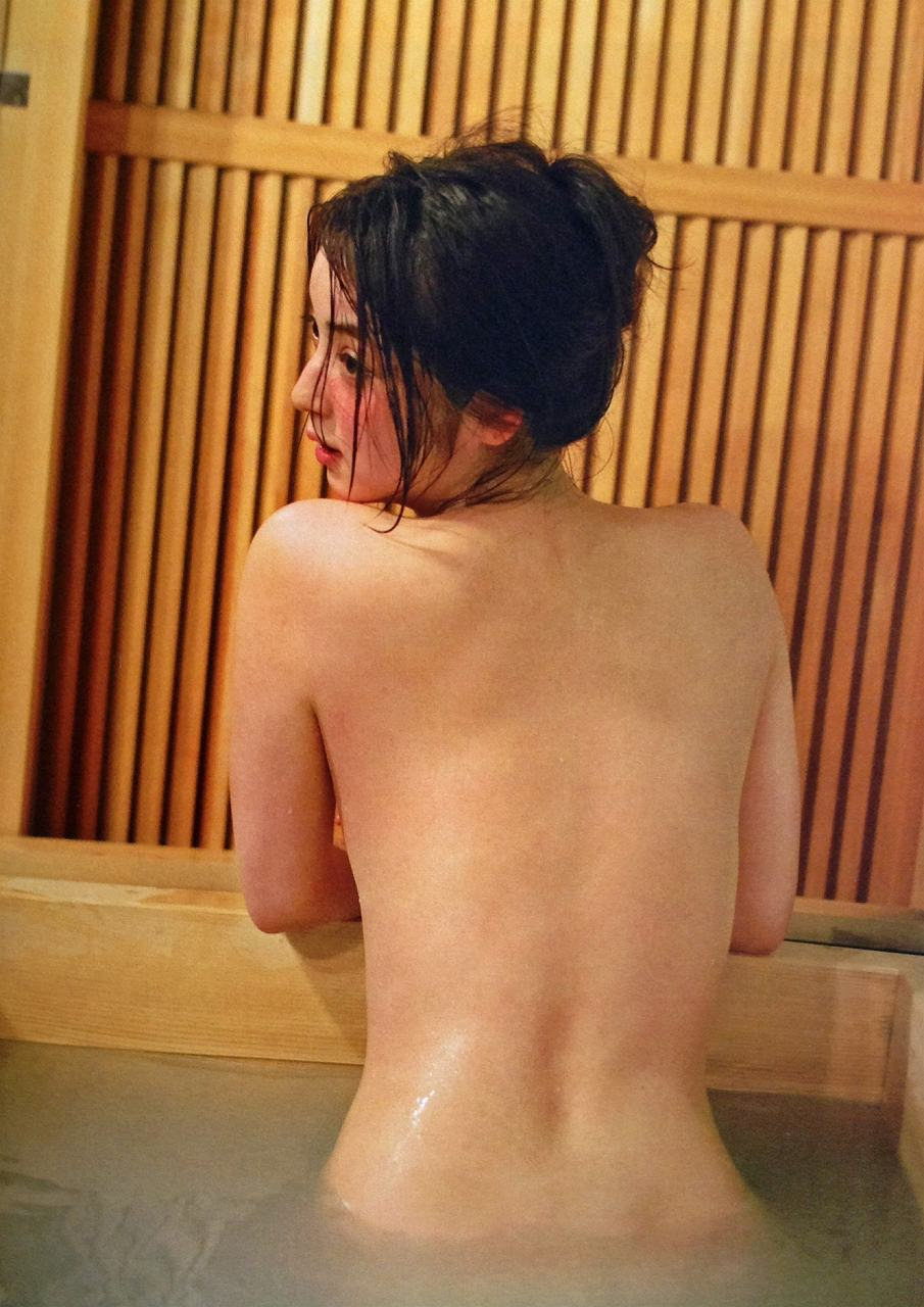 佐々木希の写真集「かくしごと」画像(佐々木希の事後画像)