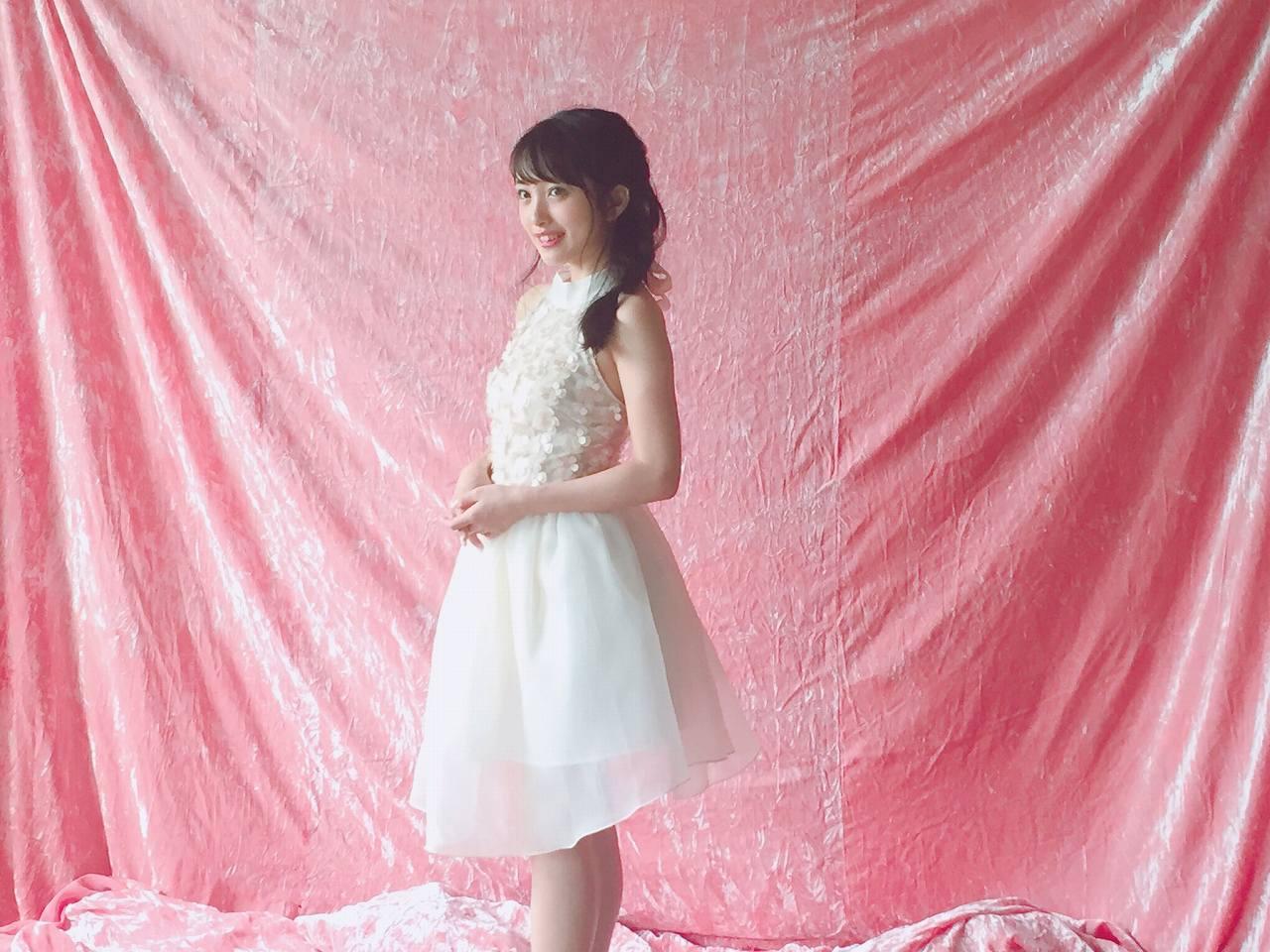 「ヤングマガジン 2016年 10/31 号」向井地美音のグラビア撮影オフショット