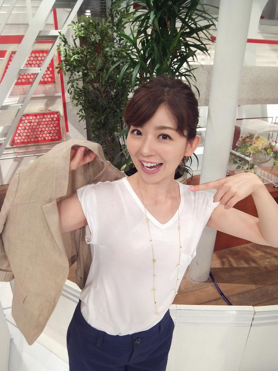 スケスケのTシャツを着た松尾由美子