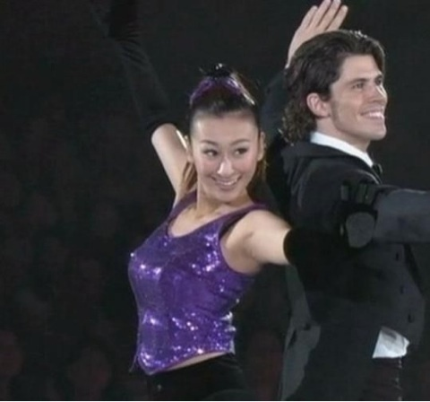 現役時代?フィギュアスケートの衣装を着た浅田舞の着衣巨乳