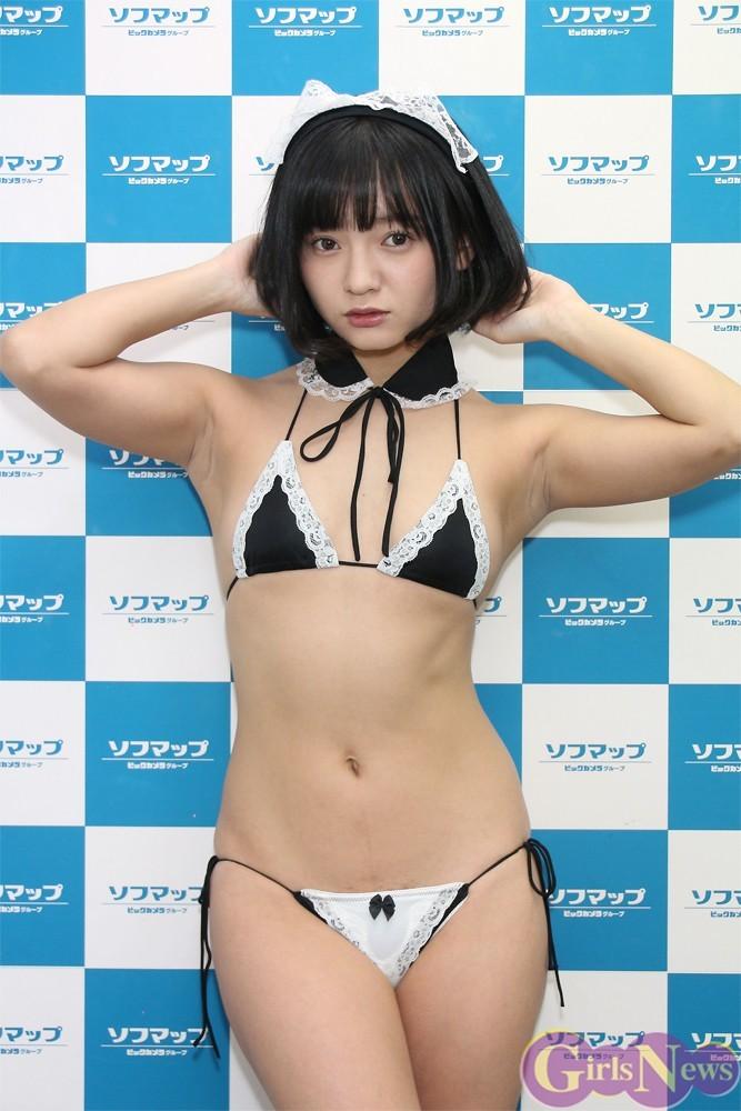 握手&撮影会に極小水着で登場した西永彩奈、マン毛処理に失敗してカミソリ負けしてる