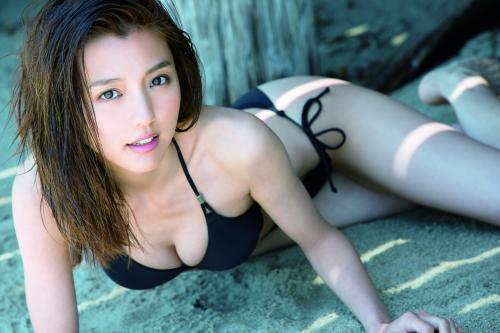真野恵里菜の写真集「陽炎―KAGEROH―」画像
