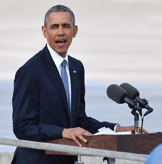 広島で演説するオバマ