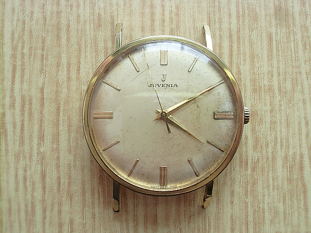 ジュベニアのジャンク時計