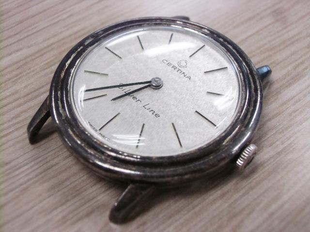 真っ黒な時計