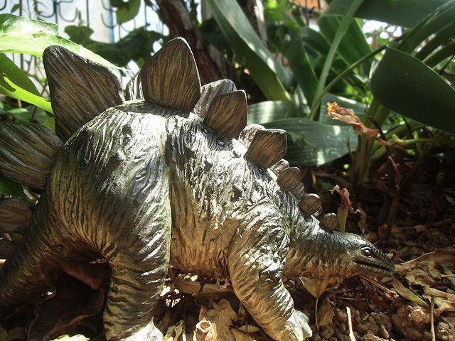 藪からステゴサウルス