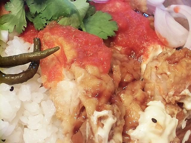 チキン南蛮にトマト