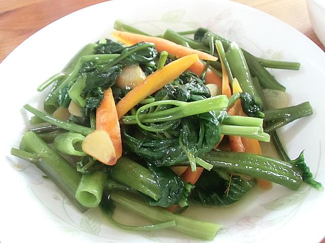 人参と青菜のオリーブ炒め