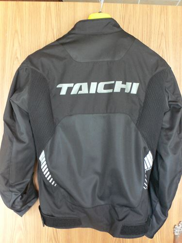 taichijyaketto007_R.jpg
