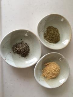 黒コショウと生姜とサンショウ