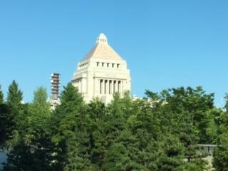参院会館からの国会議事堂